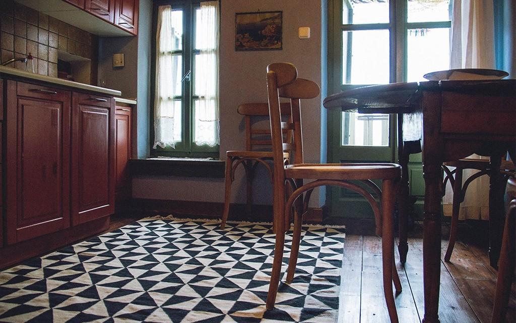 Έφιποι Πινακάτες Πηλίου Παραδοσιακοί Ξενώνες Κόκκινο Δωμάτιο Διαμέρισμα